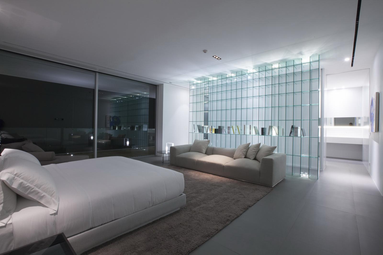World s longest house 150 meter showme design for Casas minimalistas interiores