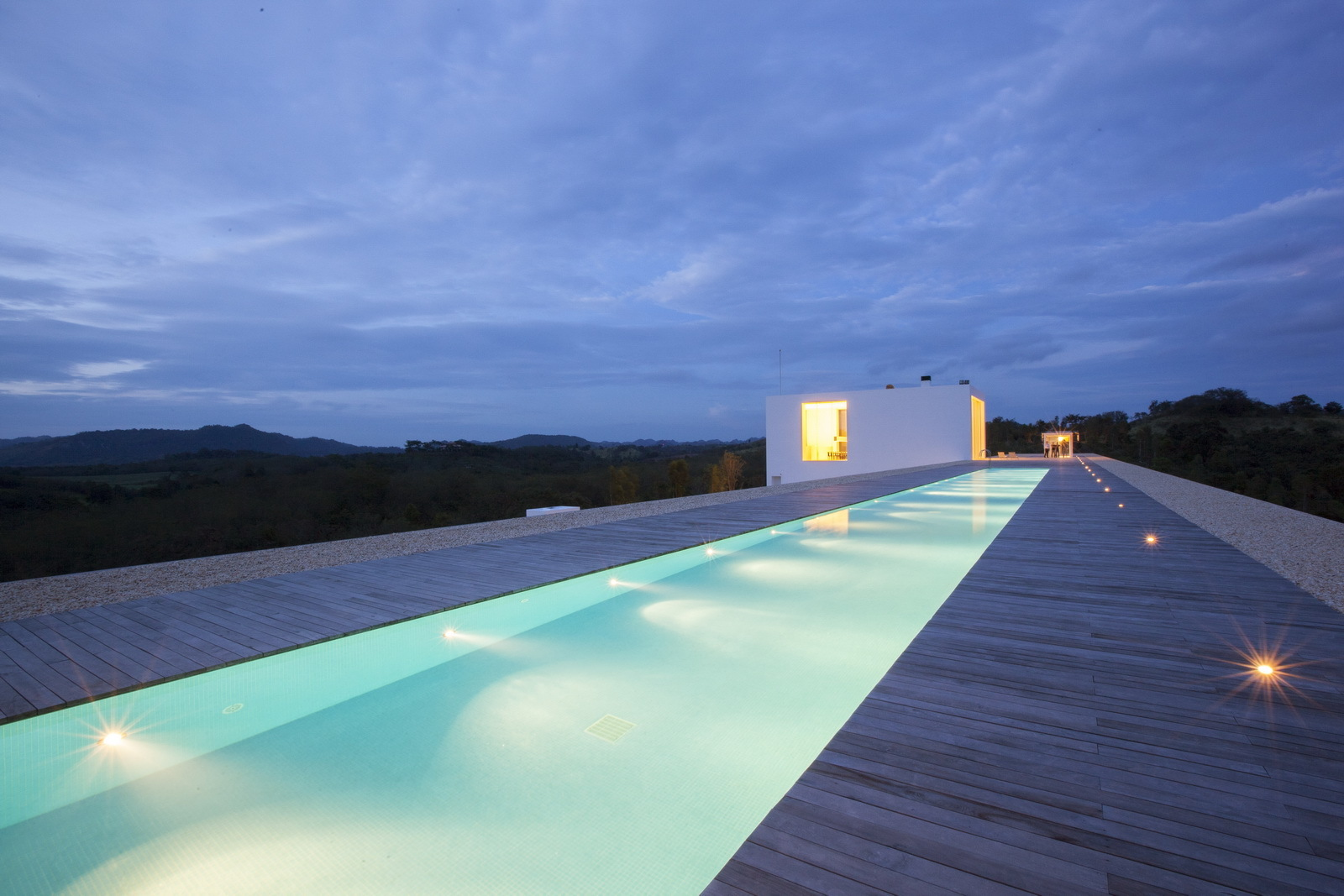 World s longest house 150 meter showme design for Outdoor swimming pool